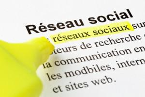 Réseaux sociaux, texte surligné
